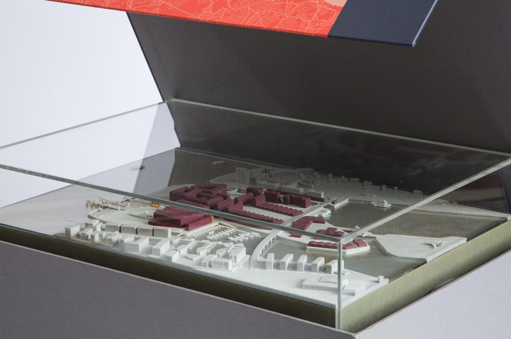 Albert Island Model In Box
